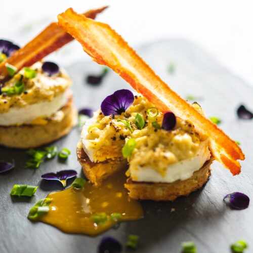 Cheesy crumpets with Welsh rarebit